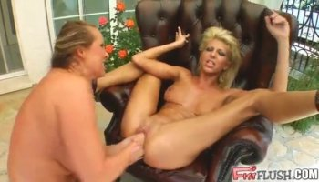 Hot Carmel gets a wild sex in the cab